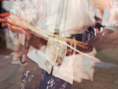 【AMAZING TOYAMA写真部】粕谷千春 八尾町の民謡行事「おわら風の盆」。幽玄な雰囲気と胡弓の音色を、今までとは違う表現で撮影。