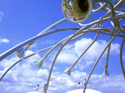 【AMAZING TOYAMA写真部】倉谷さち子 富山県美術館の屋上庭園「オノマトペの屋上」。空を近く感じられる、富山の新しい名所です。