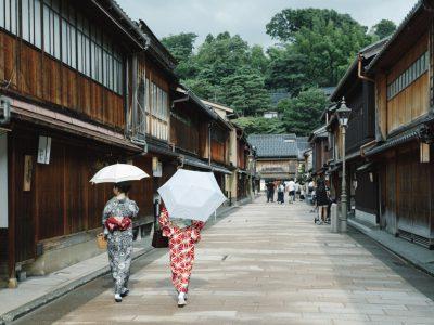 【金沢写真部FOCUS】touch(山下辰行) 古い町並みが残る東山エリア。撮影するなら、観光客などが少ない早朝の時間帯がお勧めです。